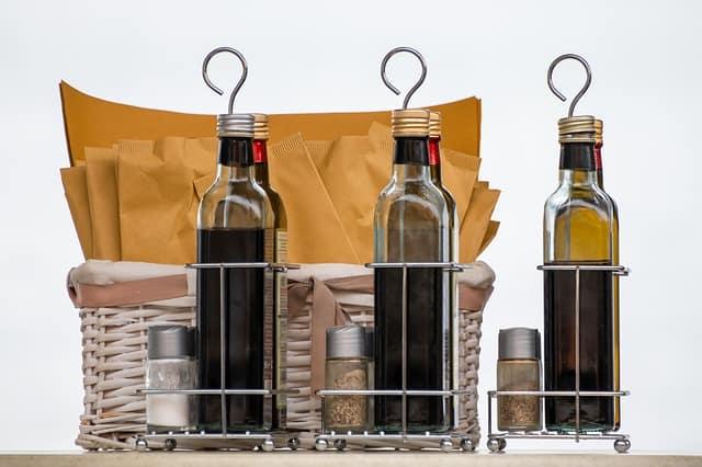 Does Vinegar Remove Paint